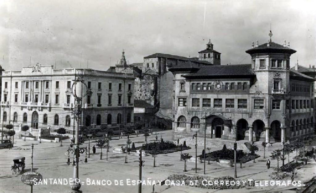 Plaza de Velarde (hoy de Atarazanas), 1900. Desconocido. CDIS.