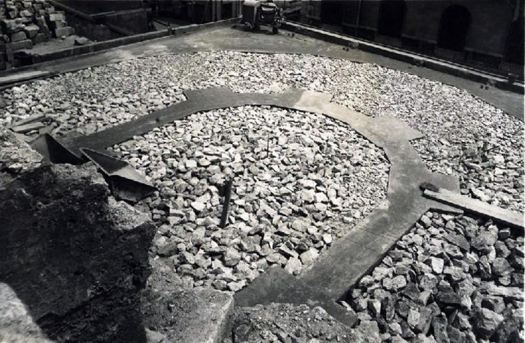 Cimentación de la girola de la Catedral de Santander después del incendio, 1946. CDIS.