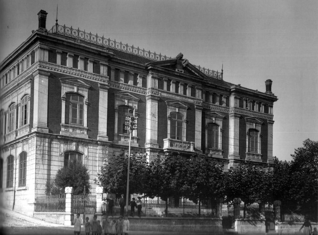 Escuelas públicas del oeste. ca. 1900. Colección Thomàs.