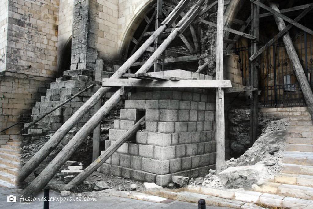 """Trabajos de """"restauración"""", añadido de nuevos arcos. Ca. 1942/1912, CDIS."""